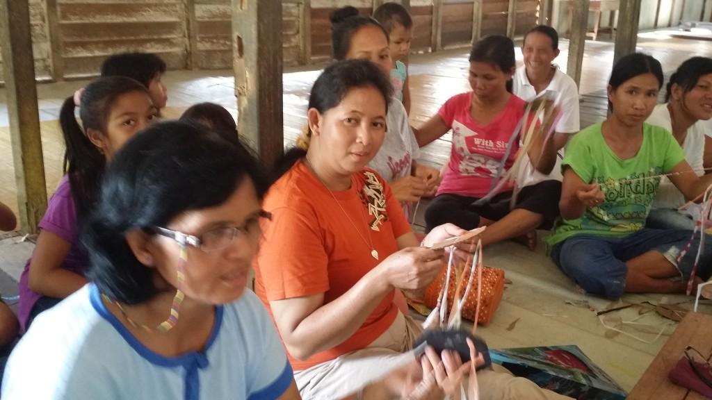 Crafters from Ukit-Ukit